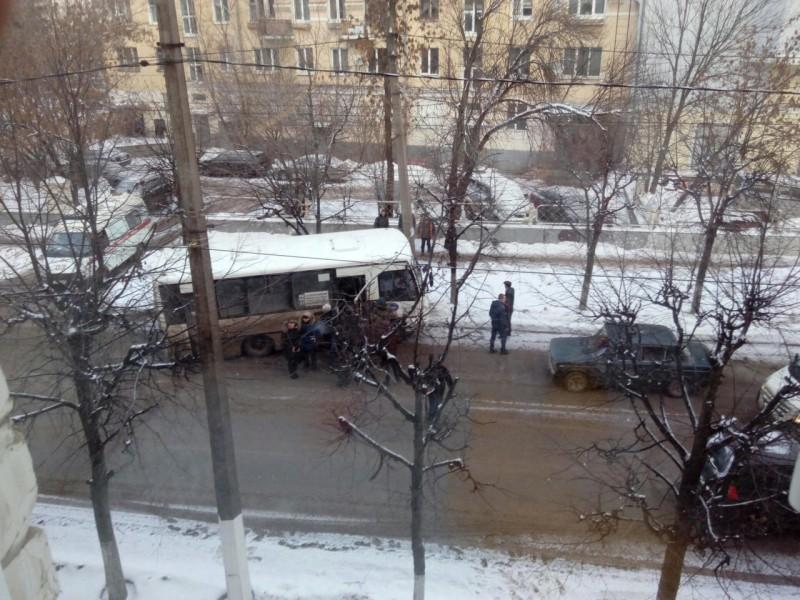 ВТвери случилось ДТП смаршрутным такси